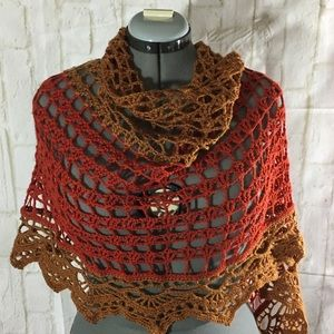 New Shawl with pin